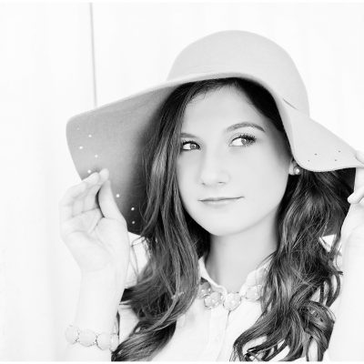 Brooke. Spring Senior Photographer.